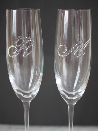 スワロフスキー デコ お祝い ギフト 名入れ イニシャル シャンパン シャンパングラス 結婚祝い 婚約祝い 誕生日祝い 結婚記念日 ギフト